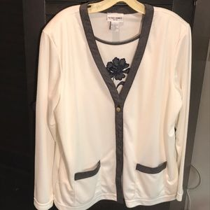 Petite. Alfred Dunner sweater top